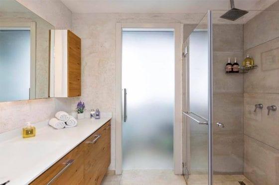 כולם יודעים מה זה אמבטיה, אבל מה זה אמבטיון?