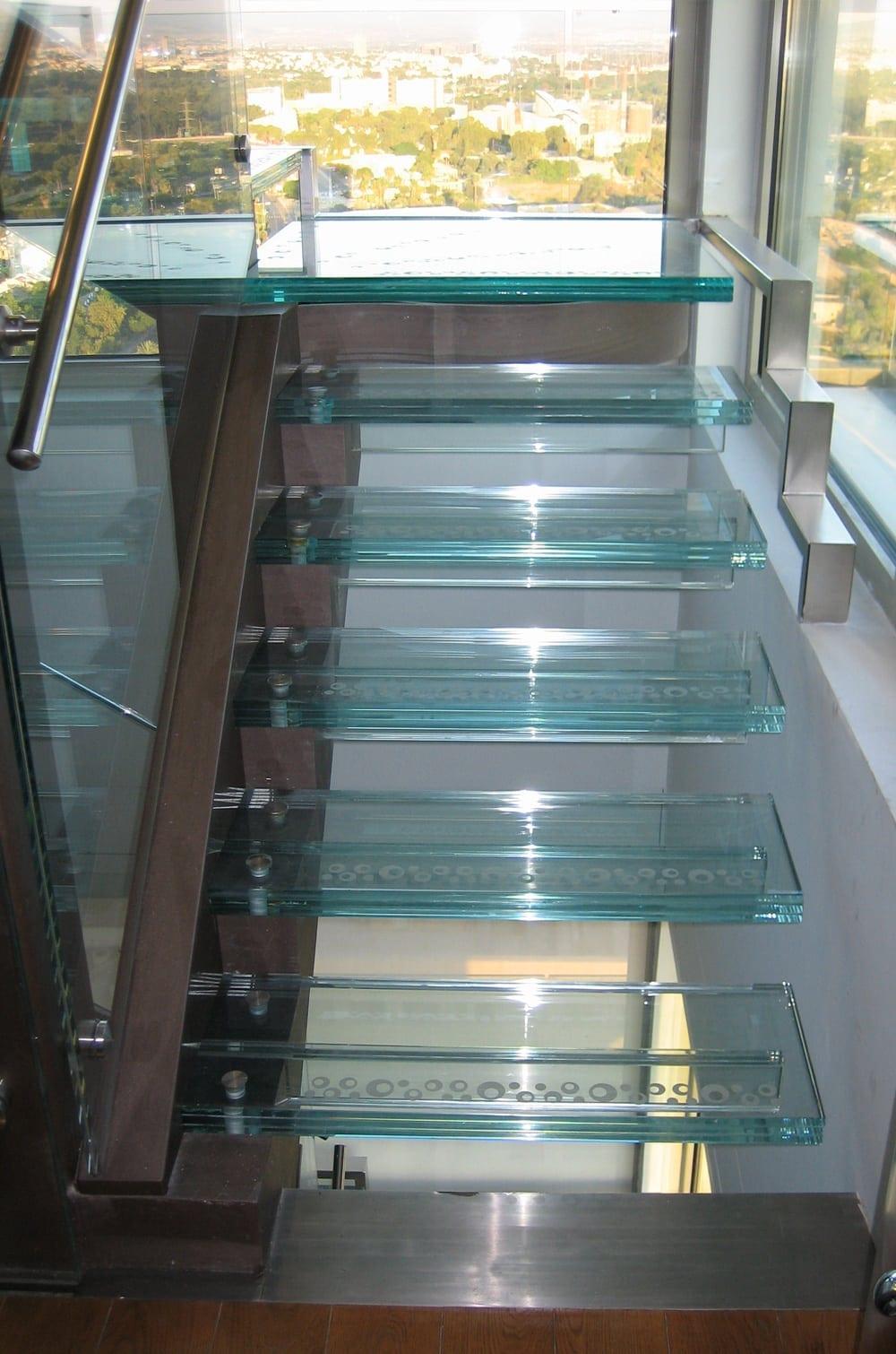 מדרגות-3
