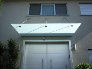 גגון זכוכית למראה נקי וקל של חזית המבנה - ד
