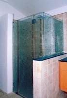 """מקלחון 3 קיבועים ודלת - ד""""ר זכוכית"""