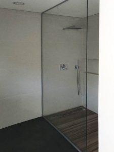 """מקלחון מומלץ - ד""""ר זכוכית"""