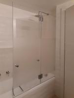 אמבטיון הרמוניקה זוג דלתות מתקפלות