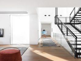 """מדרגה טיפים חשובים לתכנון מדרגות לבית - ד""""ר זכוכית"""